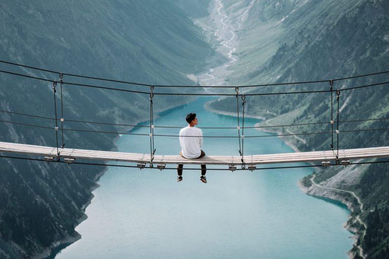 לחצות את הגשר