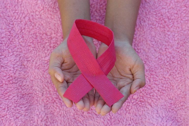 """על בדיקה ידנית עצמית לגילוי סרטן השד - ד""""ר אורלי פרידמן-אלדר - מגזין גלויה"""