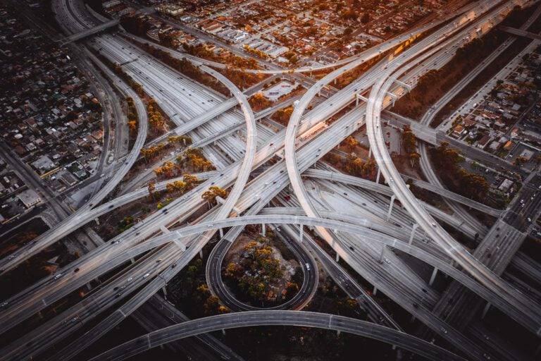 רענון נהיגה - נגה באומס - מגזין גלויה